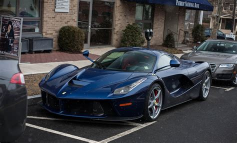 LaFerrari Out in the Snow Is Literally Cool - autoevolution