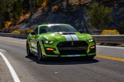 2020 Ford Mustang Shelby GT500 Is a 760-HP Thrill Ride